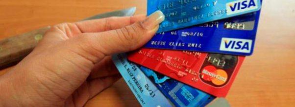 manejar las tarjetas de créditos