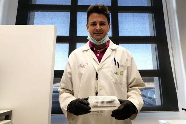 Científicos españoles y su dispositivo que detecta el COVID-19